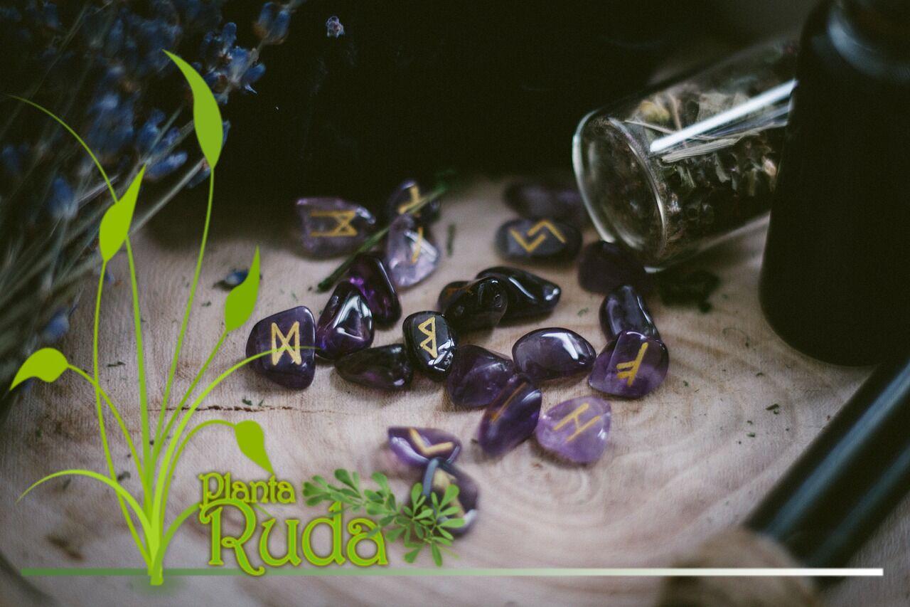 Aceptar dinero por la Wicca, Brujería, o servicios espirituales