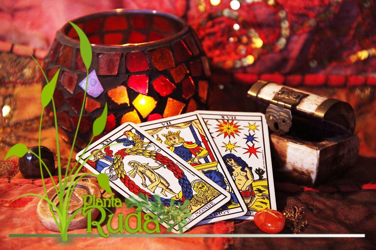 Tarot, brujería y meditación